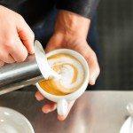 Espressomaskine med mælkeskummer – Guide med prissammenligning
