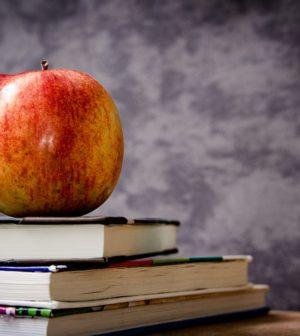 Bøger og æble