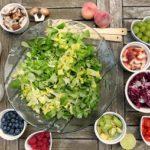 Hurtig salatanretning med køkkenmaskiner